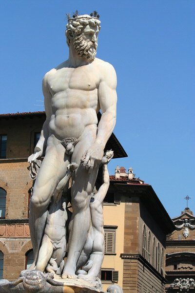 <a href=http://tinyurl.com/lwe4c target=_blank>Neptune Fountain</a>, by Bartolomeo Ammannati
