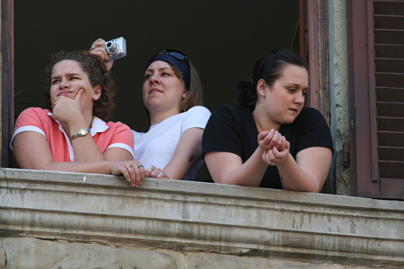 Balcony viewers