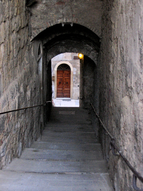 This is at <a href=http://tinyurl.com/lnr4x target=_blank>Colle di Val dElsa</a>.