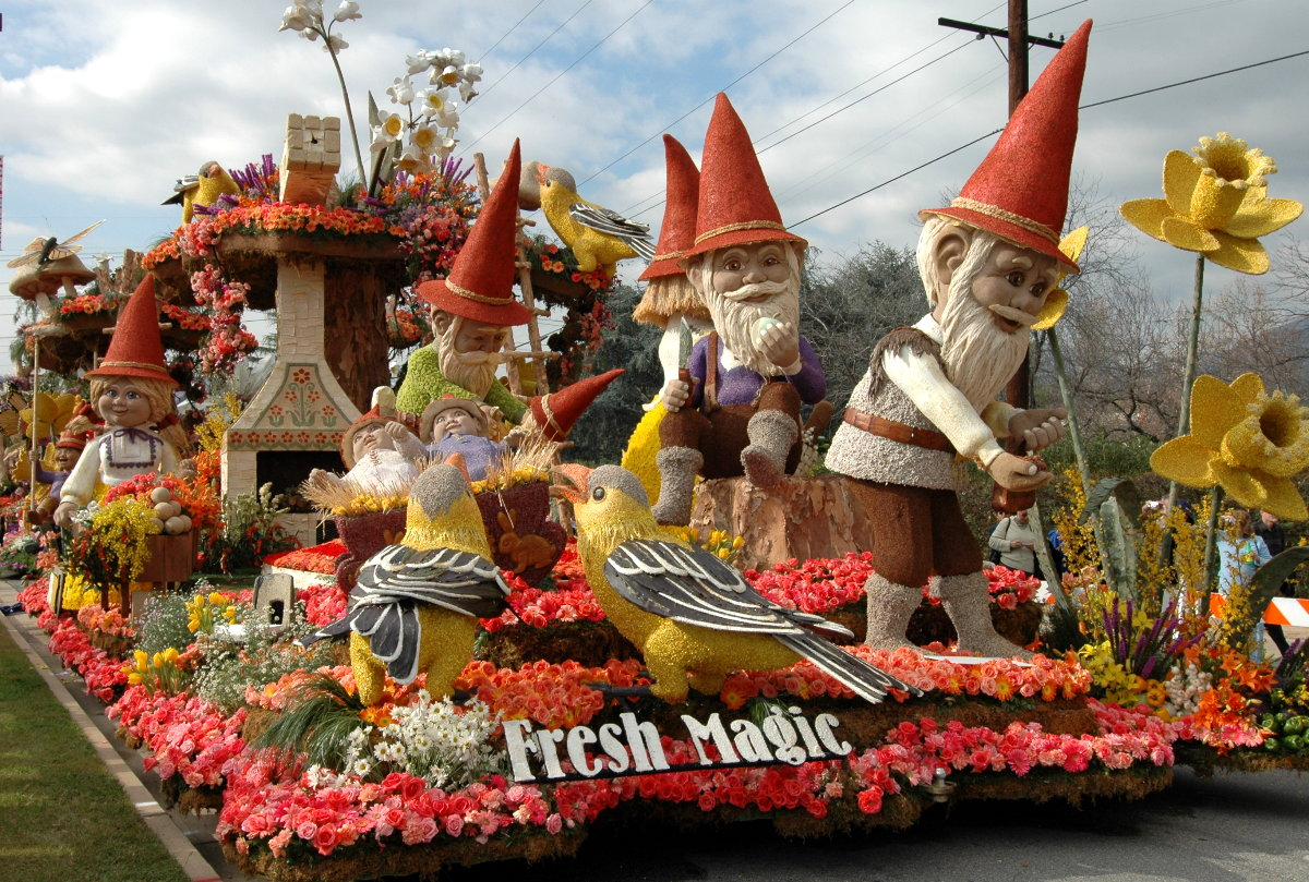 Rose Parade Float Viewing 13
