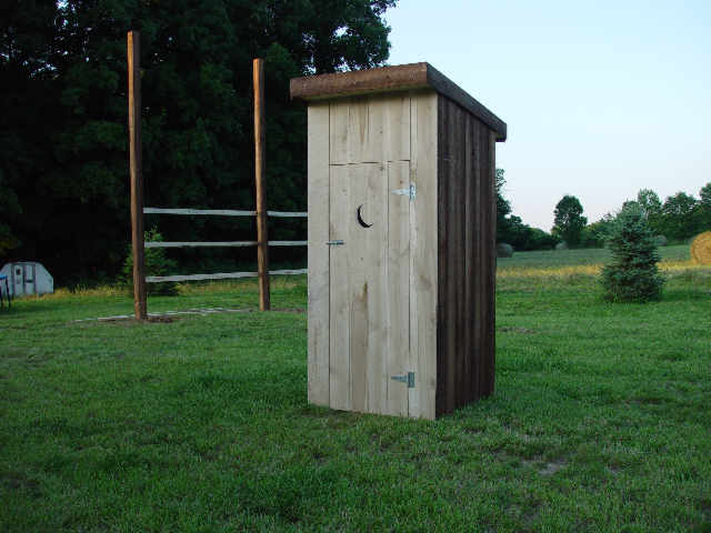 outhouse7016.JPG