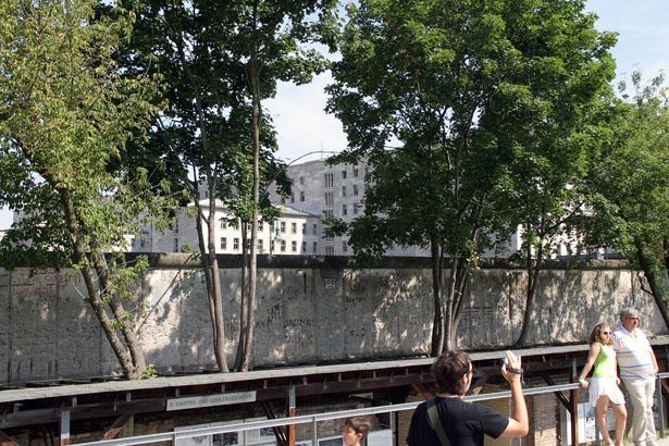 Berlin Wall Wilhelmstrasse 1 - August, 2006