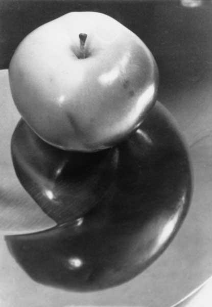 Apple on a Platter, 1932