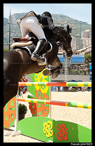 Jumping Monaco 6850.jpg