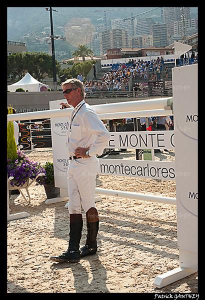 Jumping Monaco 7459.jpg