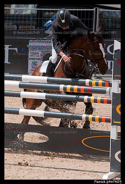 Jumping Monaco 34487.jpg
