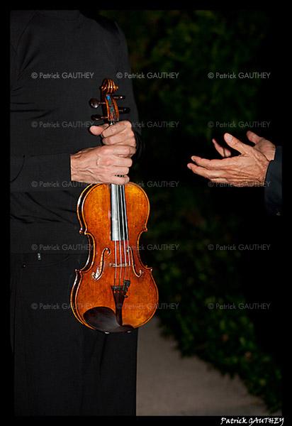 Stradivarius 7469.jpg