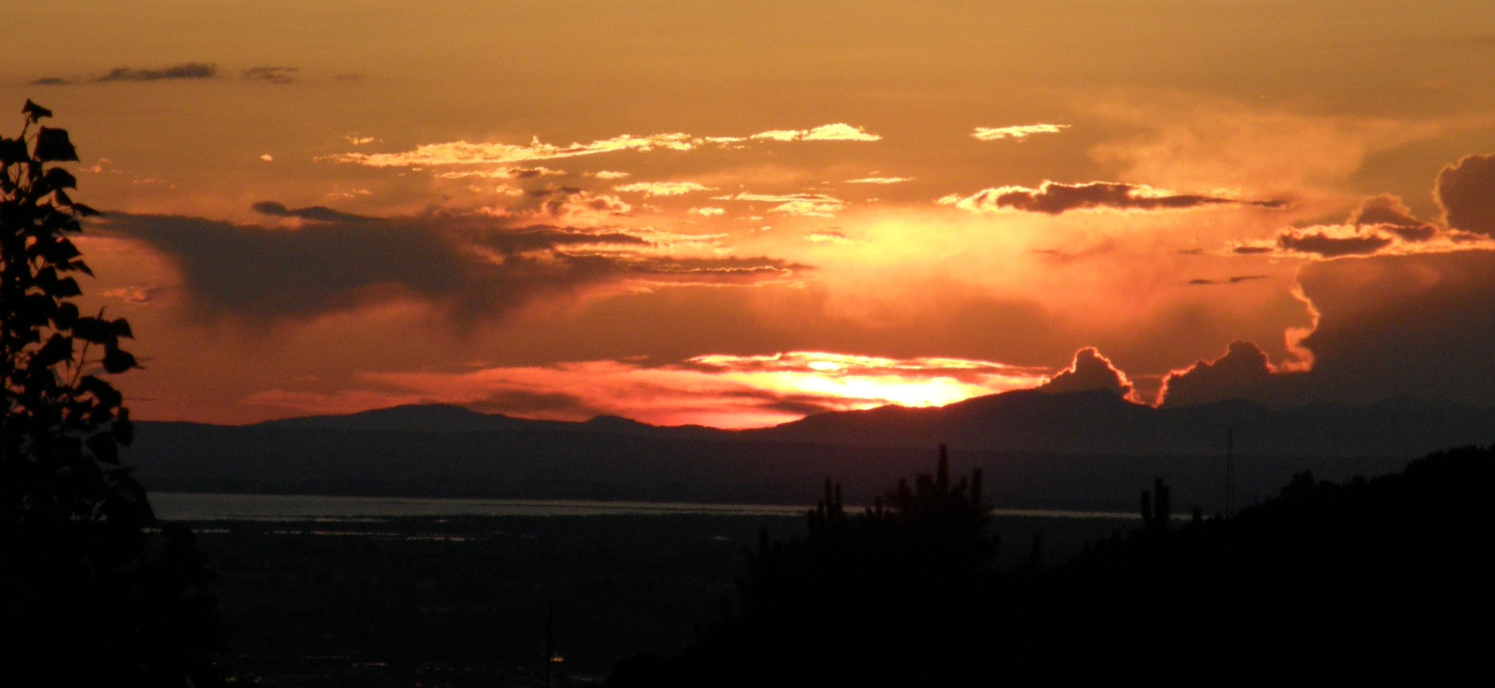 american falls reservoir sunset P7040127.JPG