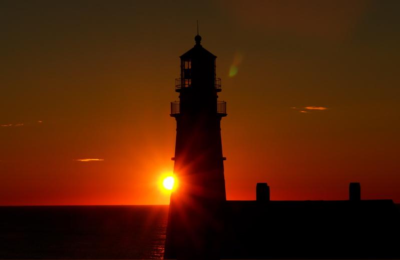 DSC00132jpg PORTLAND HEAD LIGHT LIGHTHOUSES by donald verger september 26 dawn... here comes the sun