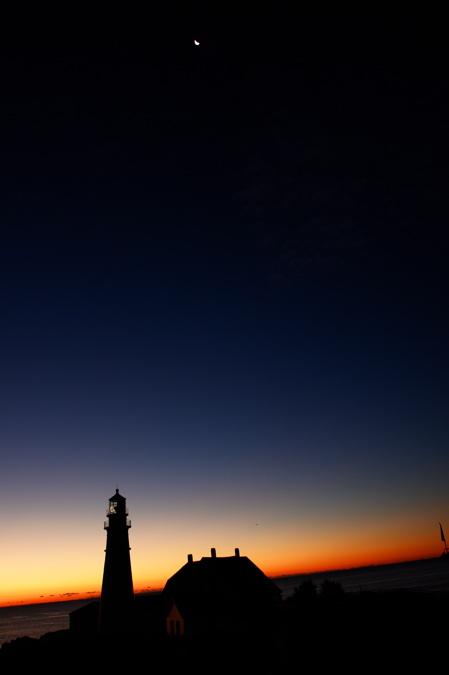 DSC05646 crescent moon graces PORTLAND HEAD LIGHT LIGHTHOUSES DONALD VERGER