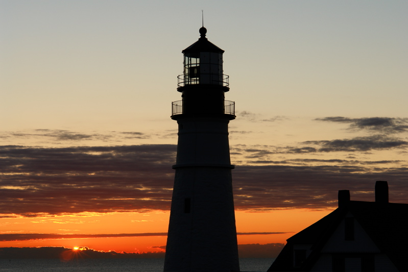 DSC06070.jpg DAWNS FIRST LIGHT PORTLAND HEAD LIGHT 6:58:18 first glimpse as i deleted images for room