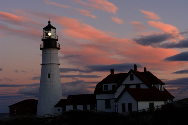 159DSC07268.jpg SUNSET PORTLAND HEAD LIGHT MAINE DONALD VERGER WAS WILLING TO HAVE MY CAR LOCKED IN!