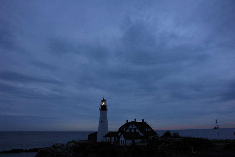 DSC08060.jpg some mornnings this tiny line of predawn pink explodes quickly into fire... not today... PORTLAND HEAD LIGHT