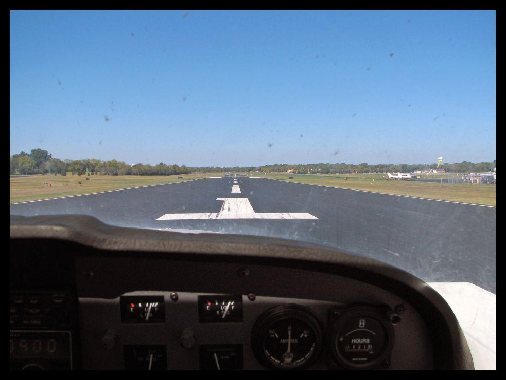 Departure on runway 1 @ Lebanon Municipal Airport