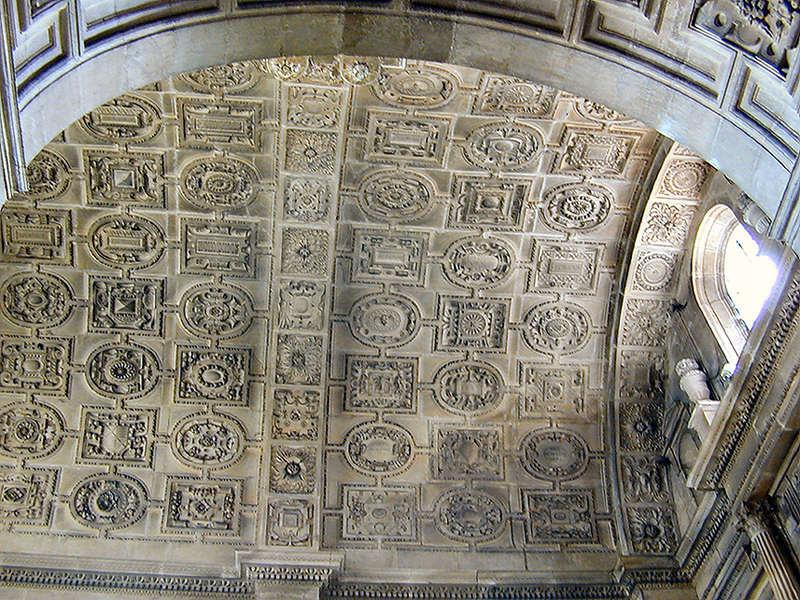 24 Ceiling of Chapelle Sainte-Croix 9504947.jpg