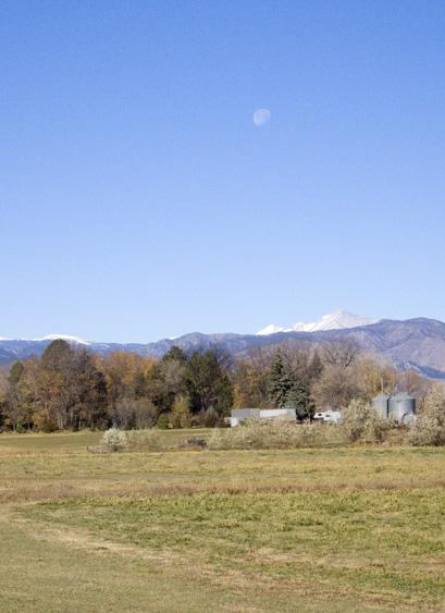 zCRW_2248 Farm Mountains Moonset - east of Boulder.jpg