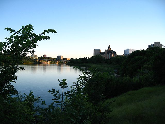 (003) Saskatoon river valley.jpg