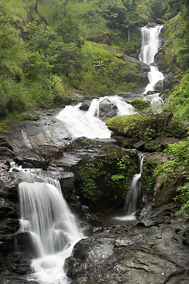 Iruppu falls 01