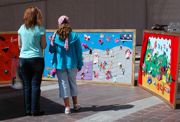 Viewing Colorful Panels from Young Students