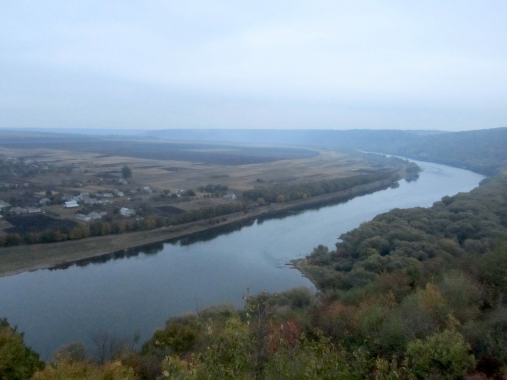 ...and across the river to Ukraine
