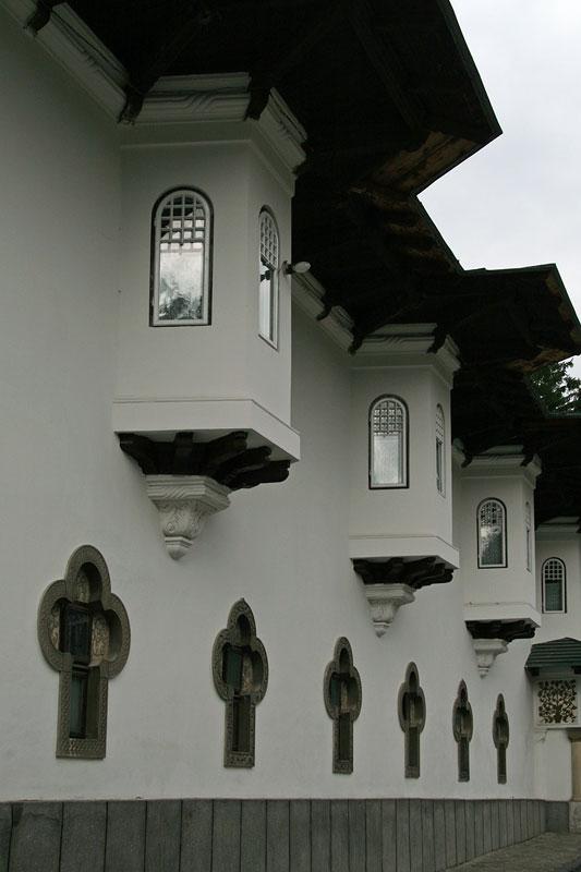 Monastery_Sinaia4.jpg