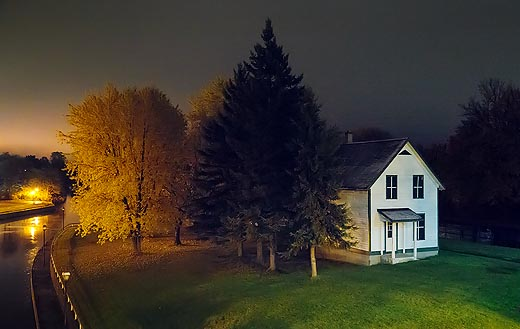 Lockmasters House At Night 20101023