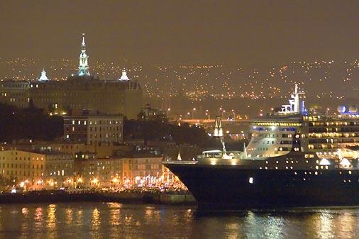 Quebec City At Night 42564