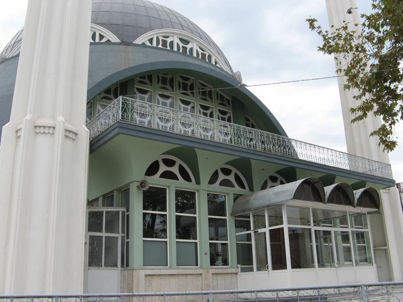 Sanyii Camii Girisi