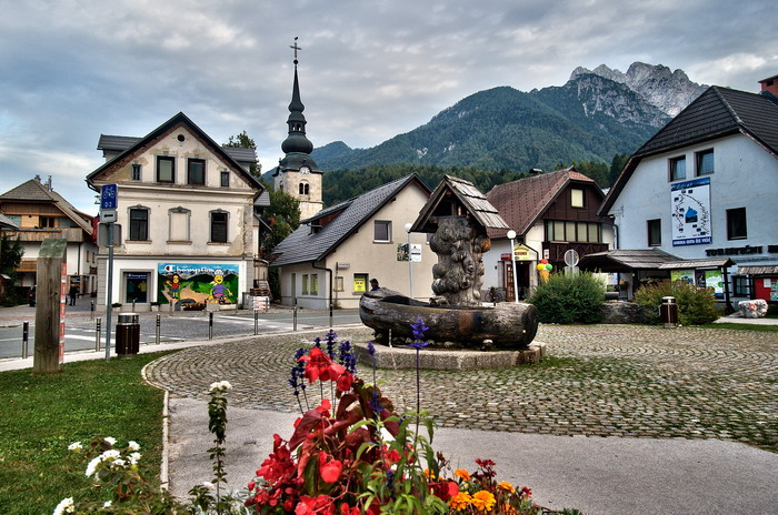 Slovenia - Kransjska Gora Town Centre.jpg