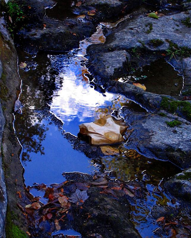 Ciel dautomne sur le ruisseau du milieu