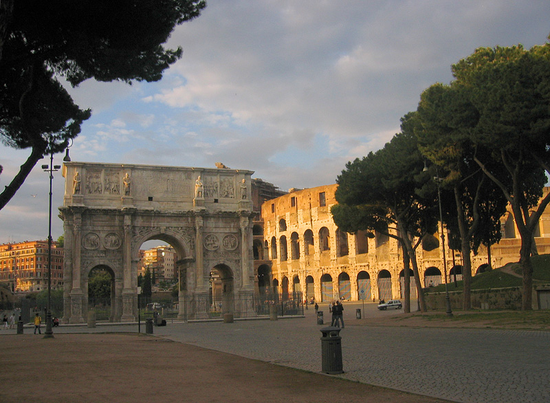Triumphal arches commemorate military/political wins.