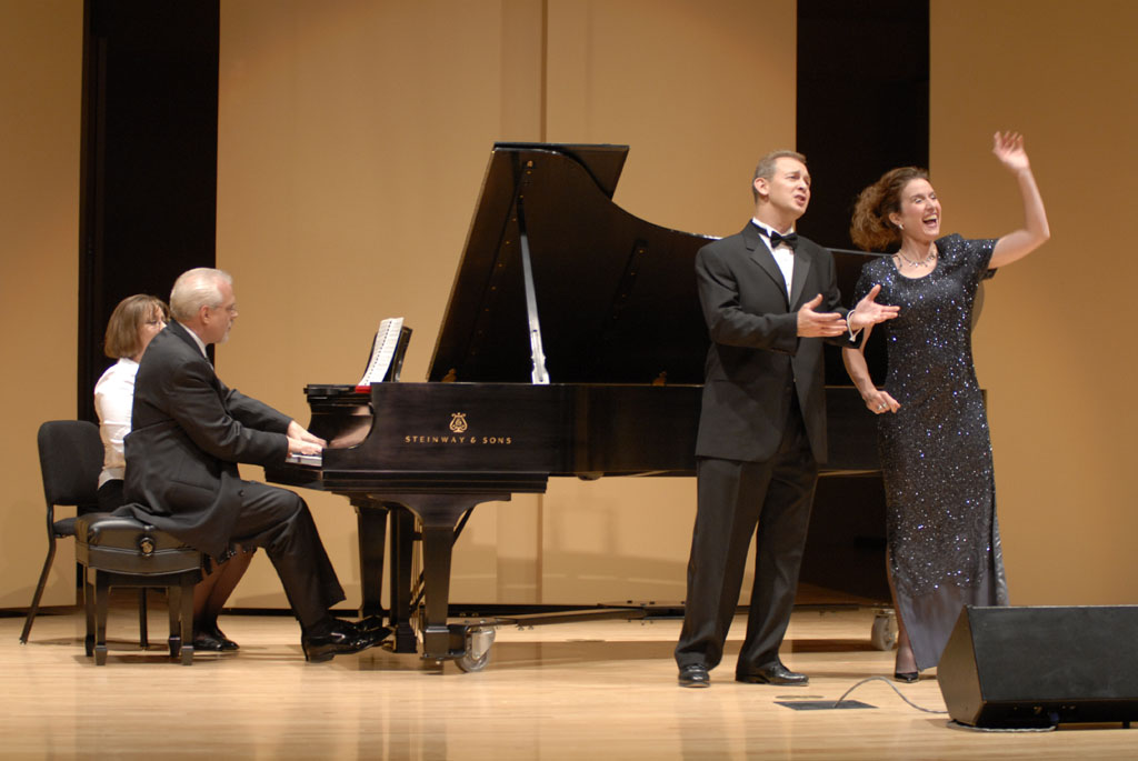 Friedleys sing Schumann Duet with Neiwirth at Piano _DSC0008 smallfile.jpg