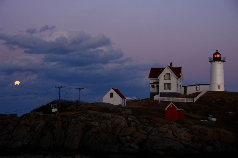 DSC08479.jpg Nubble Light and Moon Light on the eve of the eclipse