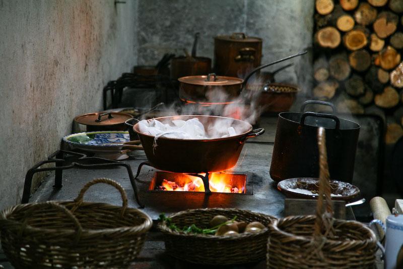16th century kitchen 1