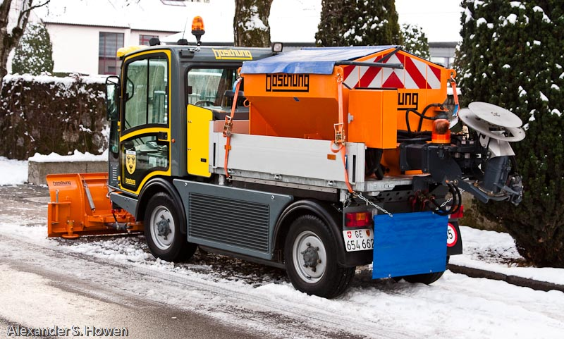Road salt machine