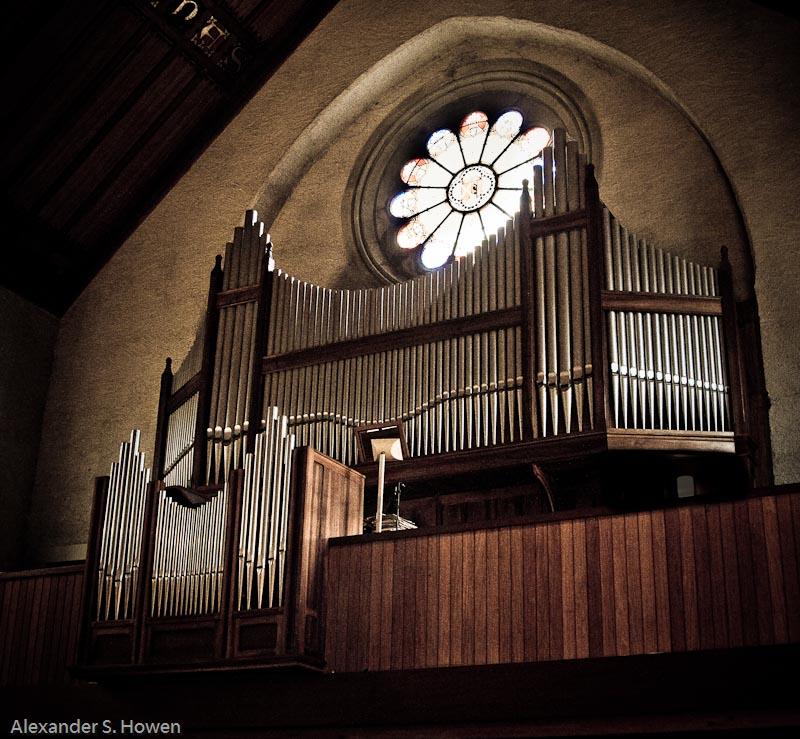 Organ at the Temple de Genthod