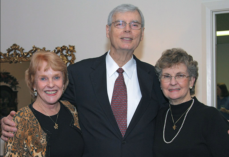 08867 - Norma Hagan with Tom and Elnora Pinner