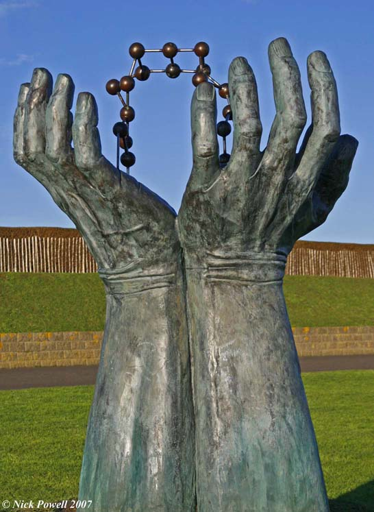 Hands and Molecule Sculpture 3, Ramsgate