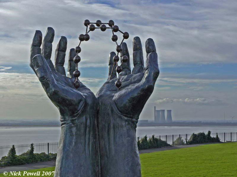 Hands and Molecule Sculpture 4, Ramsgate
