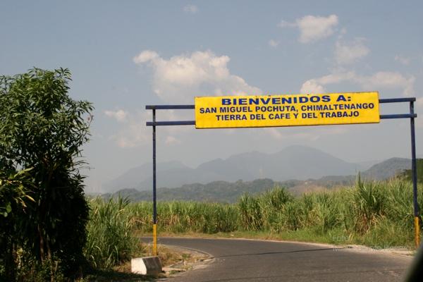 Rotulo de Bienvenida en los Limites del Municipio