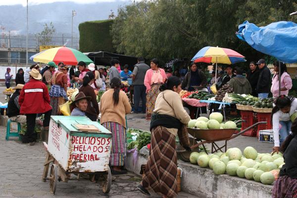 Escena en el Mercado Local