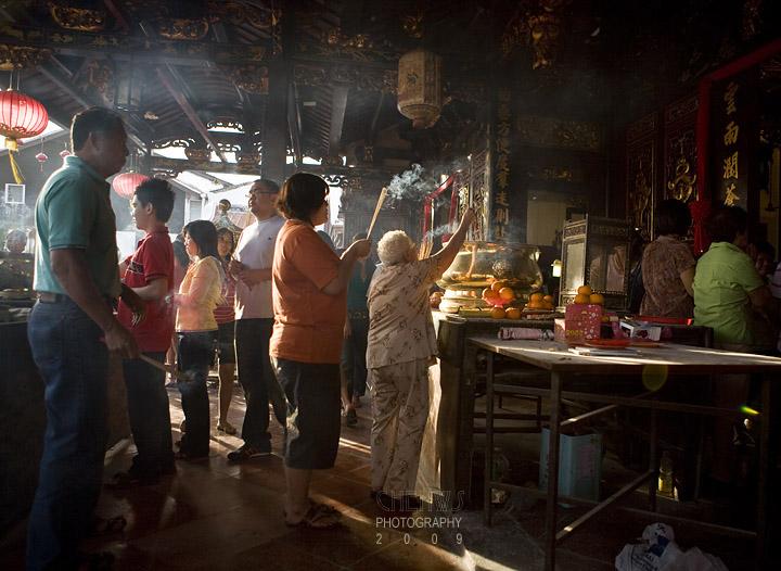Devotees at Cheng Hoon Teng Temple
