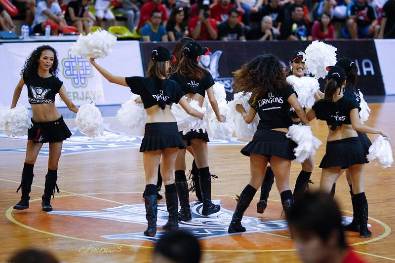 Cheerleaders (CWS2168.jpg)