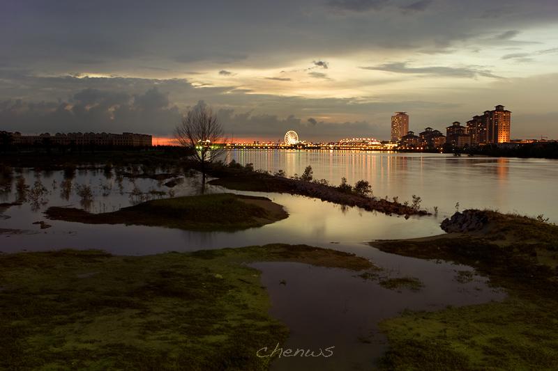 View from Pulau Melaka at dusk (7601)