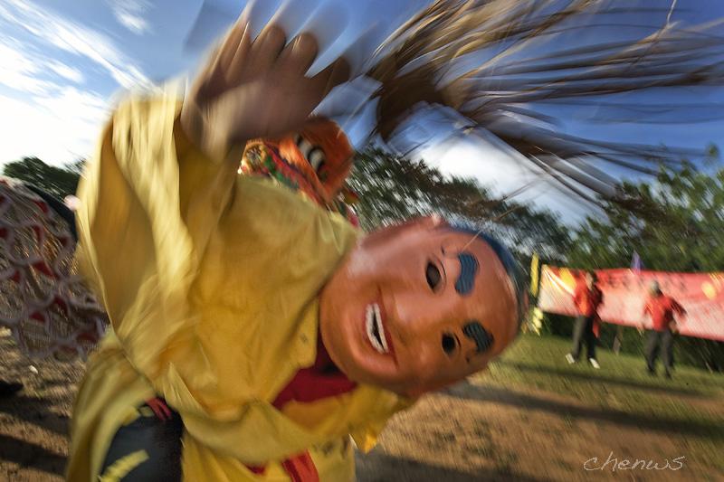 Lion dance clown (8051)