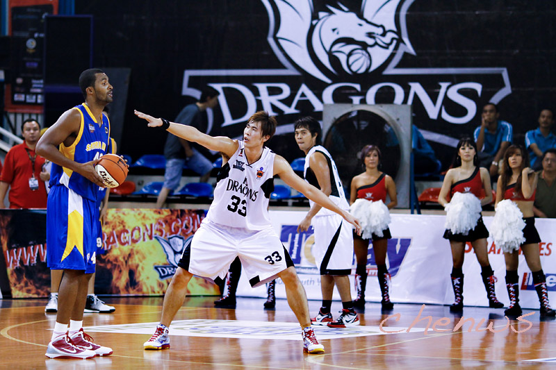 Li Wei defending (0854)