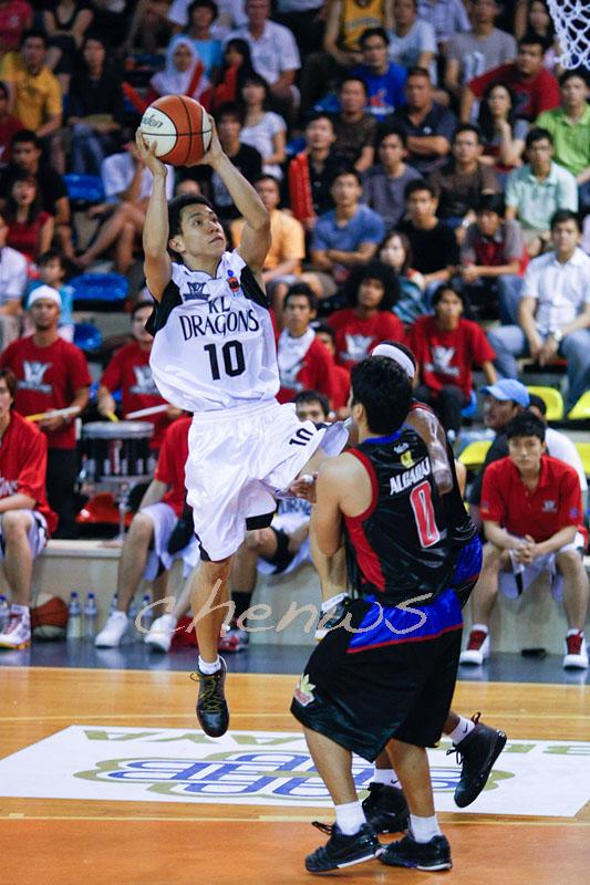 Rudy Lingganays jump shot (5594)