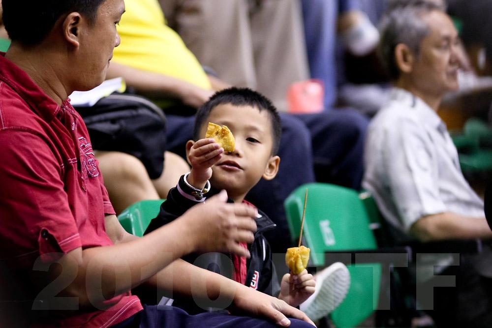 Fans: 20100925-132513-208.jpg