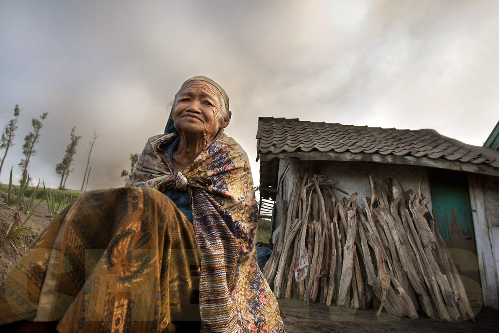 Old lady, Mt Bromo, Indonesia