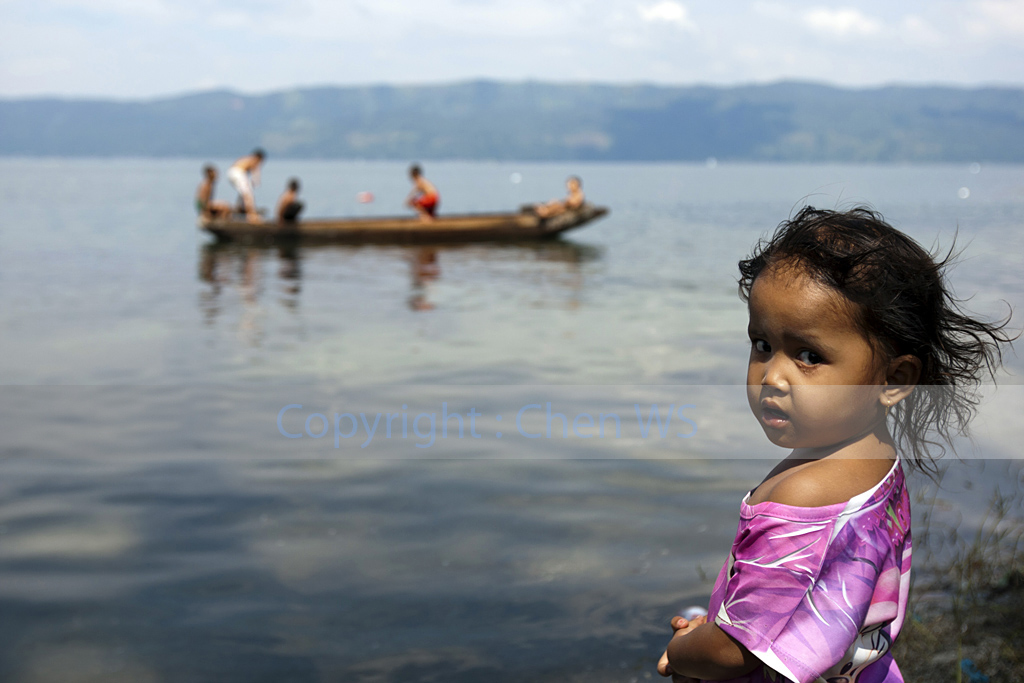 Young girl, Lake Singkarak